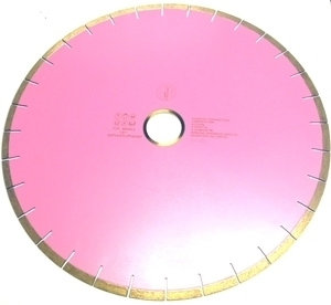 """Picture of DW73P 18IN """"Silent"""" Silver Brazed Segmented Saw Blade for Marble & Concrete"""