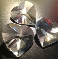 Picture of P22J  40mm crystal heart with mount hole center top