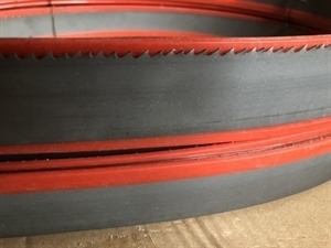 "Band Saw Blade Replacement 22'10"" Bi metal M42 Cobalt 8%, 34 x1.1mm(1-1/4 x .042 in.) 5/8 TPI (Back quality X32 Cr 4. 270 gr./m)-side view"