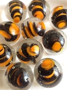 Picture of MM3045C HANDMADE 25mm set of 10, Clear w/black & orange swirls