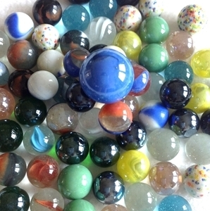 Picture of M70M 25-lb Mixed Glass Marbles -- FREE SHIPPING --